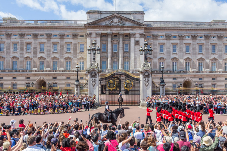Upacara Pergantian Penjaga di Istana Buckhingham