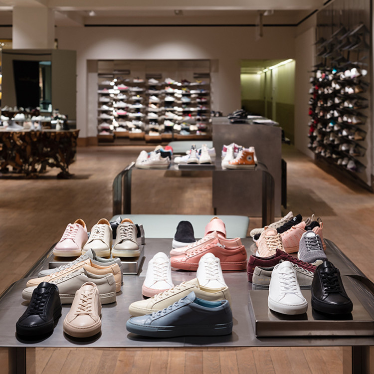 241475456933 Berburu Sneakers di London bersama  adityalogy -  TravelON by Wego ...