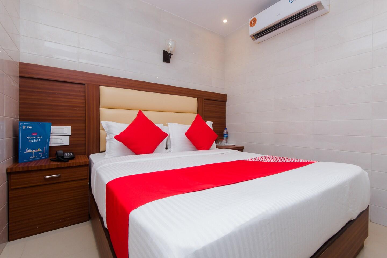 OYO 12257 Hotel Sai Suites