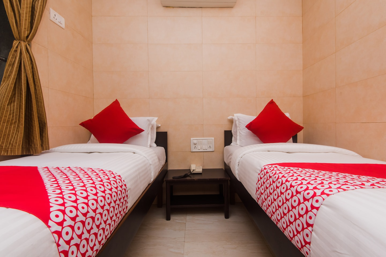 OYO 42395 Asma Hotel