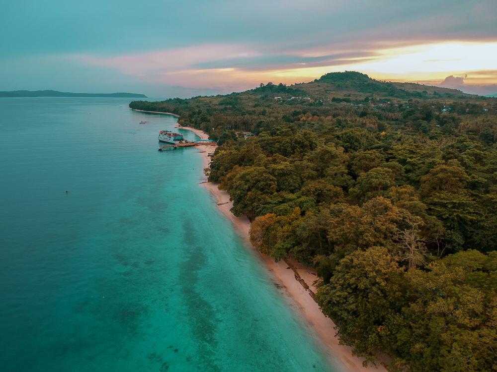Pantai Liang, Ambon.