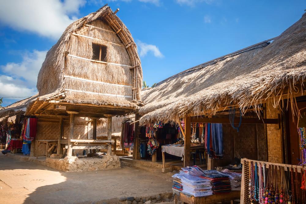 Rumah adat Desa Sade, Lombok.