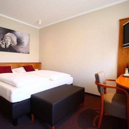Hotel Straubs Schone Aussicht Klingenberg Am Main Deals